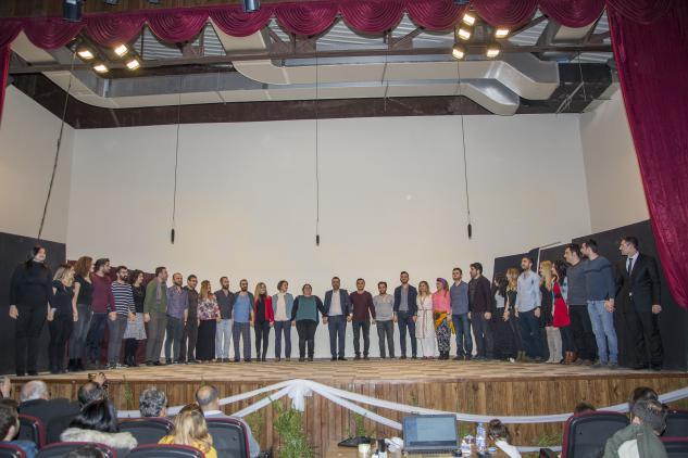 Siverek Şehir Tiyatrosu İlk Oyununu Sahneledi
