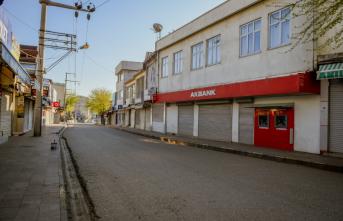 Siverek'te Koronavirüs Tedbirleri Kapsamında İki Cadde Trafiğe Kapatıldı!