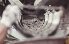 Çimento zammına tepki: Müteahhitler iş bırakabilir