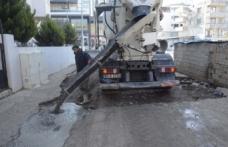 Siverek'te Cadde ve Sokaklarda Beton Çalışmaları Devam Ediyor