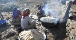 Siverekli Köylü Kadınlardan Yufka Ekmek