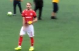 Amatör Futbol Liginde Oynanan Maçta Futbolcudan...
