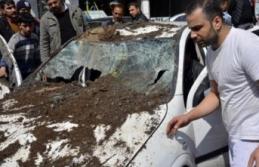 Siverek'te aracın üstüne duvar yıkıldı!