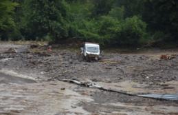 4 ilde sel, su baskını ve heyelan: Bartın'da evi yıkılan bir kadın selde kayboldu