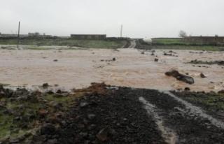 Siverek'te Aşırı Yağış Yaşamı Olumsuz...