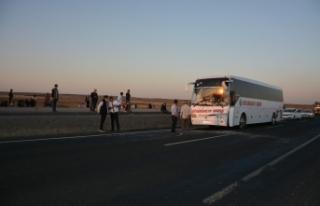 Siverek'te yolcu otobüsü kaza yaptı yaralılar...