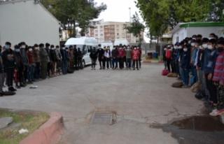 Siverek'te 101 yabancı uyruklu kaçak göçmen...