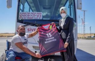 Siverek Belediye Başkanı Ayşe Çakmak, bedensel...
