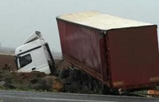 Siverek'te TIR kazası: 1 yaralı