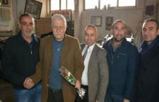 SİVSAD'tan Gazetecilere Karanfil