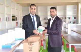 HUDA PAR'dan okul kütüphanesine kitap bağışı