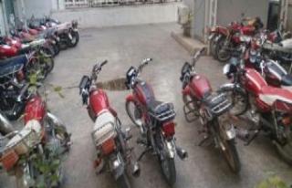 Şanlıurfa'da 76 Çalıntı Motosiklet Ele Geçti