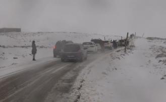 Karacadağ Kayak Merkezine Gidenler Tipiye Yakalandı