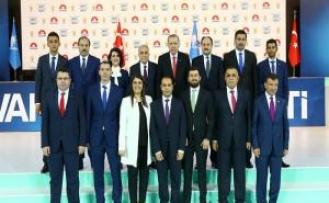 Cumhurbaşkanı kızgın mı? Urfa adaylarıyla ilk poz