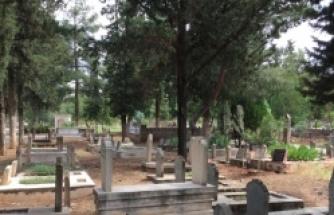 Bu Bayram kabir ziyaretine gidilmedi, mezarlıklar boş kaldı
