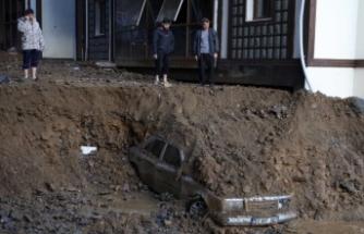Sel ve heyelan felaketi yaşanan Rize'de hayatını kaybedenlerin sayısı 7'ye yükseldi; kaybolan 1 kişiyi arama çalışmaları sürüyor