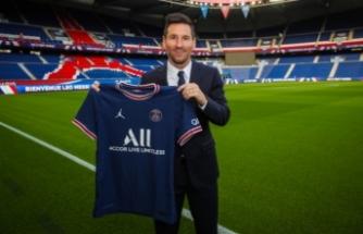 Lionel Messi resmen Paris Saint Germain'de