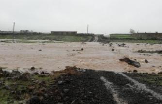 Siverek'te Yağışlar Hayatı Olumsuz Etkiliyor