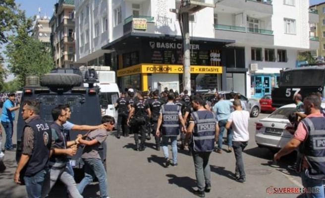 Diyarbakır'da HDP'lilere müdahale