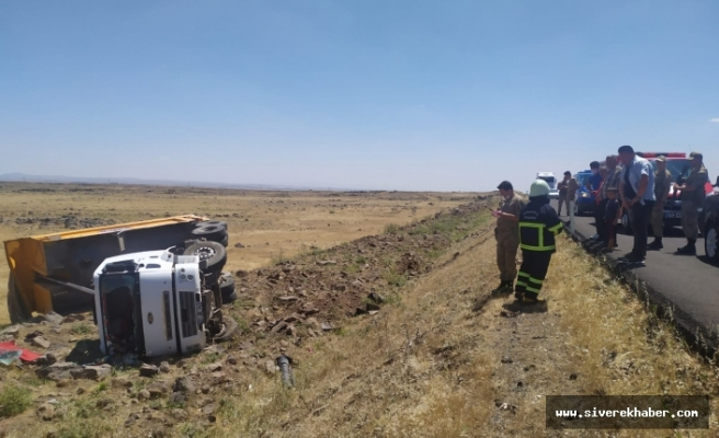 Şanlıurfa'da kamyon şarampole yuvarlandı: 1 Yaralı