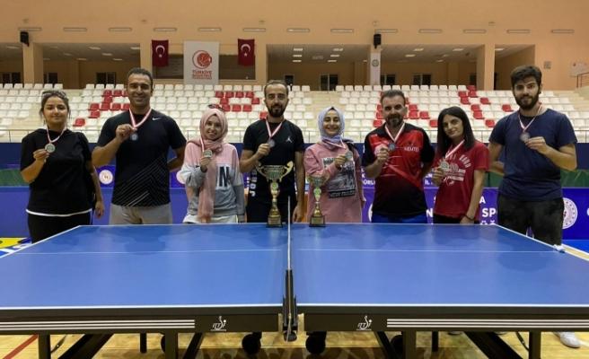 Siverek Halk Eğitimi Merkezi Tenis takımından büyük başarı