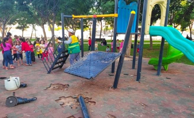 Siverek'te çocuk oyun parkındaki oyuncaklara çirkin saldırı!
