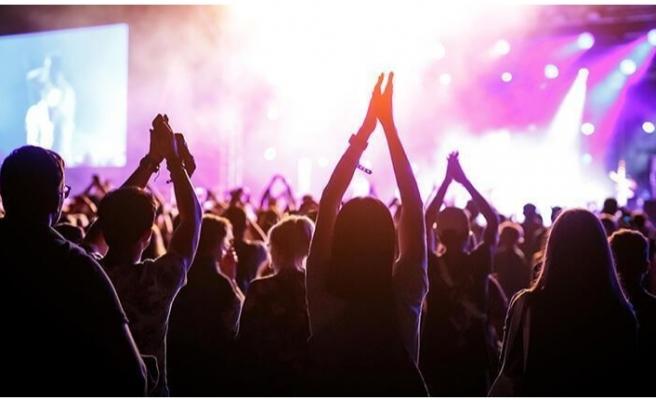 Etkinlikler için yeni sistem: Konser, sinema, maç girişlerinde aşı şartı gündemde