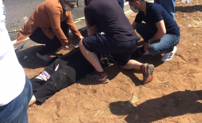 Şanlıurfa'da kamyon arkadan otomobile çarptı: 1 ölü, 2 yaralı