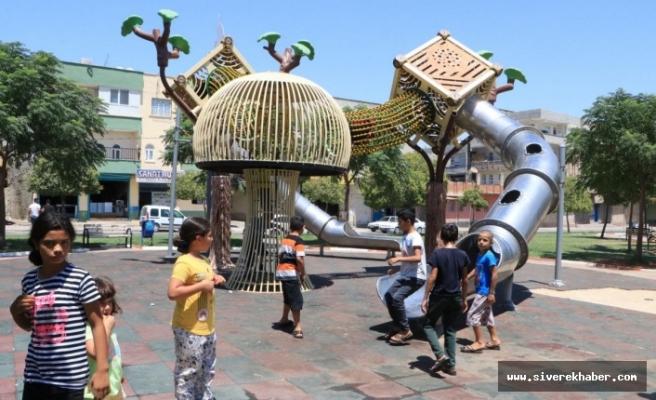 Şanlıurfa'da yapılan sacdan kaydırak çocuklarda yanıklara neden oldu