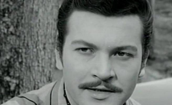 Yeşilçam'ın unutulmaz oyuncusu ve yönetmeni Kartal Tibet 83 yaşında hayatını kaybetti