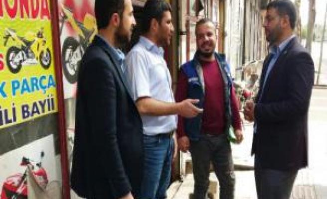 Huda Par Siverek Caddesi esnafının sorunlarını dinledi