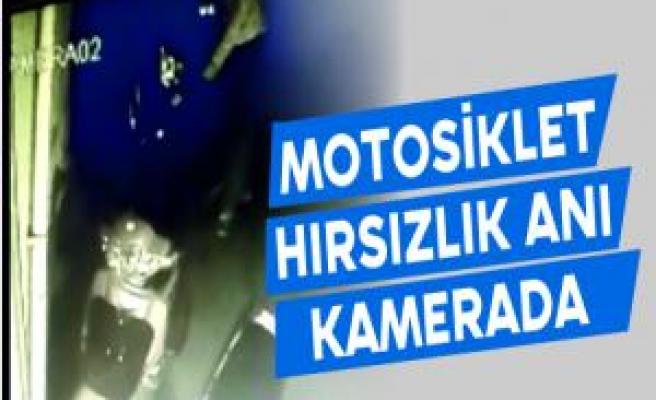 Motosiklet Hırsızlık Anı Kamerada