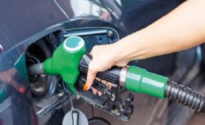 Benzine zam geldi! Litresi kaç para olacak?