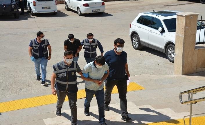 Hırsızlık Yaparken Polise Yakalandılar