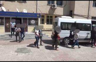 Şanlıurfa'da önceden belirlenen adreslere eş zamanlı olarak düzenlenen operasyonda 6 kişi gözaltına alındı