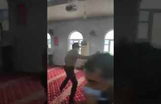 Gaziantep'te camide ibadete biber gazlı engelleme: 50 gözaltı